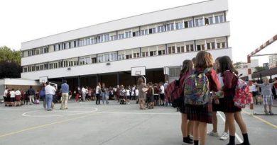 Primera Semana de mayo: 295  alumnos y 32 docentes confinados