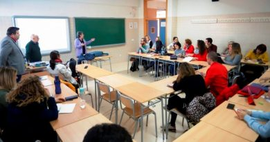 Tercera semana de febrero: desciende el número de docentes y alumnos confinados