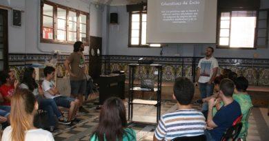 El colegio diocesano Santiago Apóstol inicia un proyecto de aplicación móvil para ayudar a los comerciantes del Cabanyal
